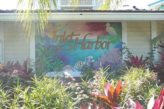 Inlet Harbor Restaurant, Marina & Gift Shop: Front Entrance