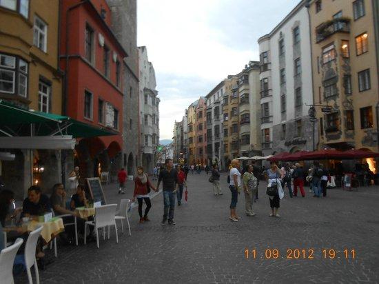 Altstadt von Innsbruck:                   Street view