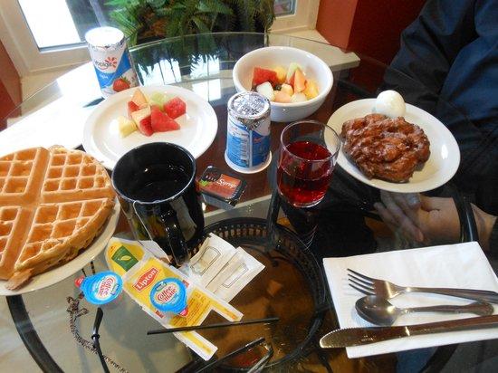 Cannery Pier Hotel:                   breakfast