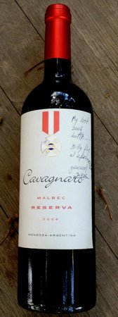 Bodega Cavagnaro:                   Julián's last bottle of 2006, signed by him.