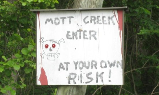 Motts Creek Inn:                   Sign on way in from Route 9.