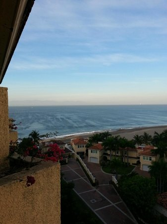 CasaMagna Marriott Puerto Vallarta Resort & Spa: View from room 9068