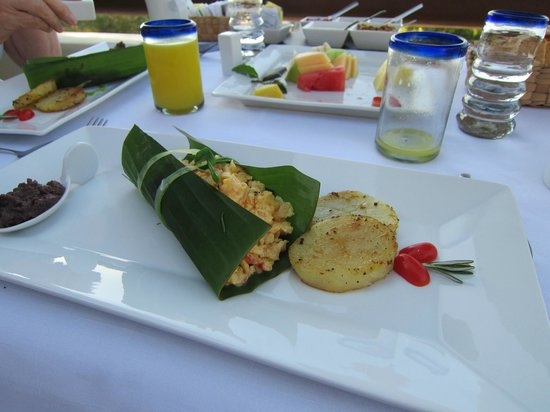 Hotel Cinco Sentidos :                   Breakfast-always different