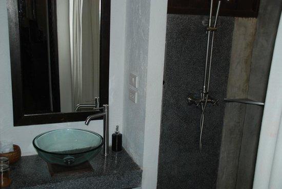 De Lanna Hotel, Chiang Mai: Bathroom