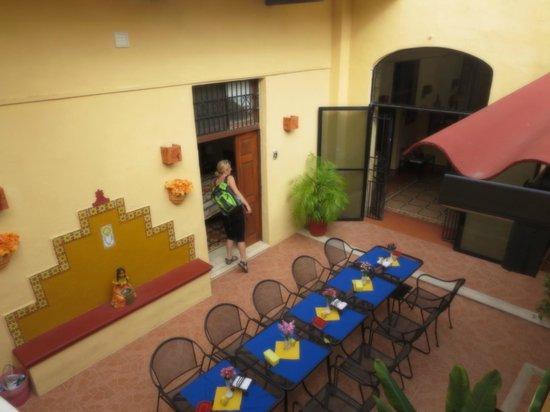 Hotel del Peregrino:                   Ontbijtruimte op de binnenplaats