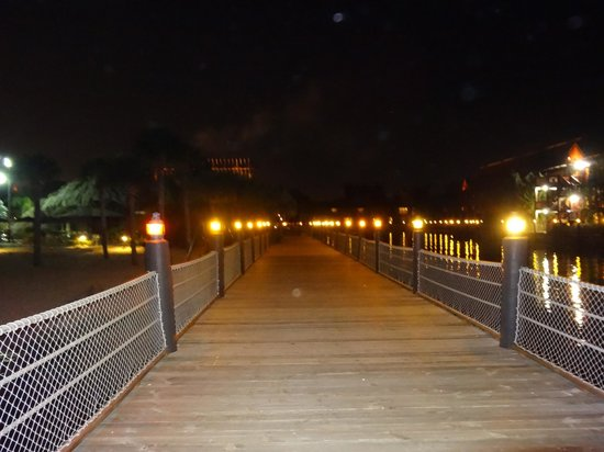 Disney's Polynesian Village Resort:                   Dock at Poly