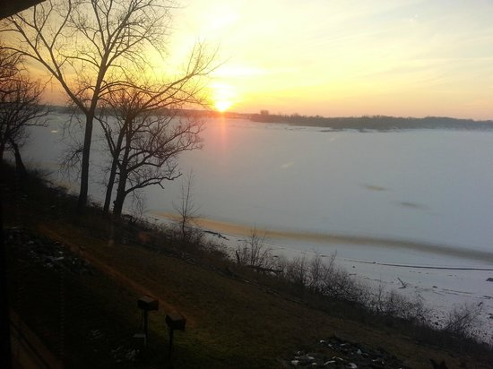 Deer Creek Lodge and Conference Center :                   Sunday morning sunrise from the Restaurant overlooking the ice and snow covere