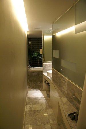LiT BANGKOK Hotel:                   salle de bains