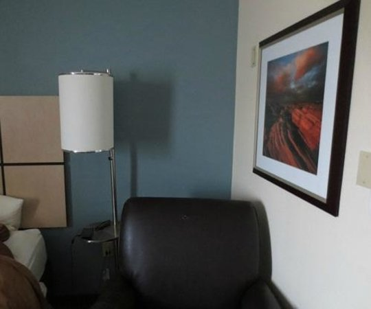 Candlewood Suites At CityCentre-Energy Corridor:                   Room