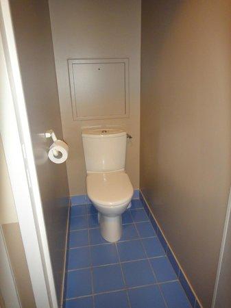 Adagio Aparthotel Val d'Europe: toilette