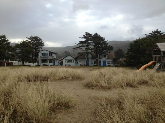 Ocean Rogue Inn:                   View from beach