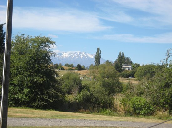 Bridge to Nowhere Tours:                   Mt Ruapehu from our cabin