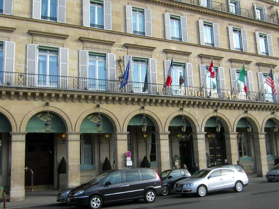 Le Meurice:                   street view of the hotel