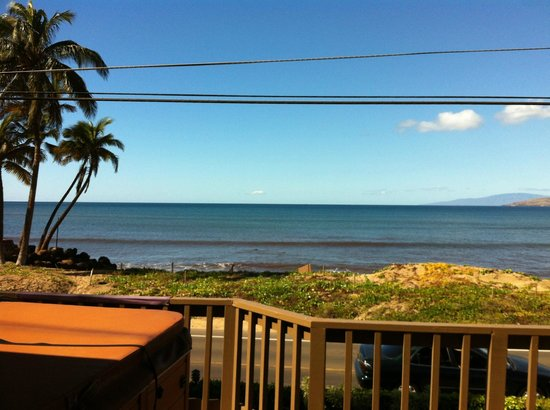 Maui Sunseeker LGBT Resort:                   View from the lanai