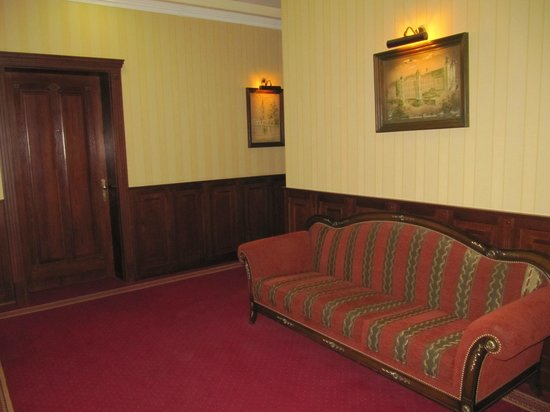 Hotel Old CONTINENT: Corridor on the 1st floor