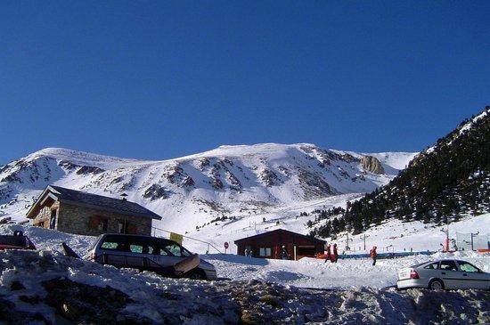 Hotel La Coma:                                                       Vallter 2000 Ski Area