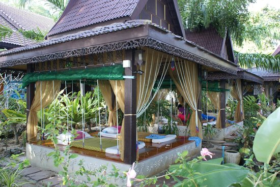 Phi Phi Paradise Pearl Resort:                   kiosque de massage