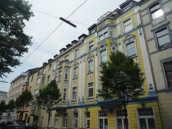 Gaestehaus Grupello: Hausfassaden Grupellostr.