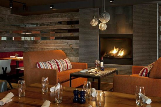 Teton Mountain Lodge & Spa- A Noble House Resort: Spur Restaurant & Bar