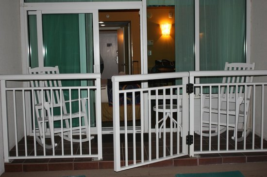 BEST WESTERN PLUS Grand Strand Inn & Suites: Our room from the deck