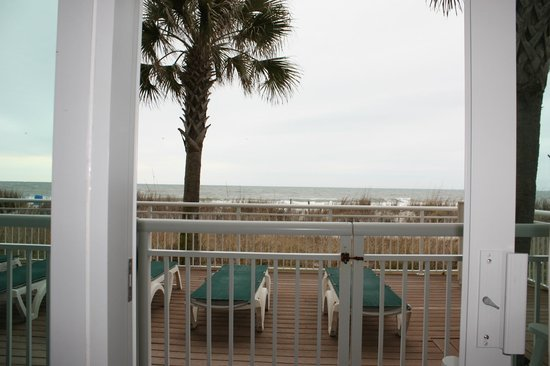 BEST WESTERN PLUS Grand Strand Inn & Suites: View from the bed in our room