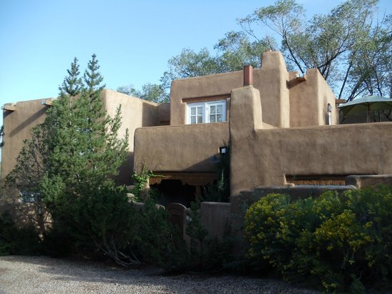 ‪‪Campanilla Compound‬:                   Front of condo in Santa Fe