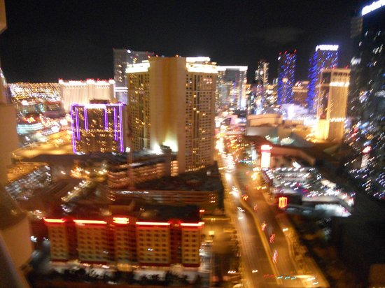 Signature at MGM Grand :                   VIew from the 30th Floor