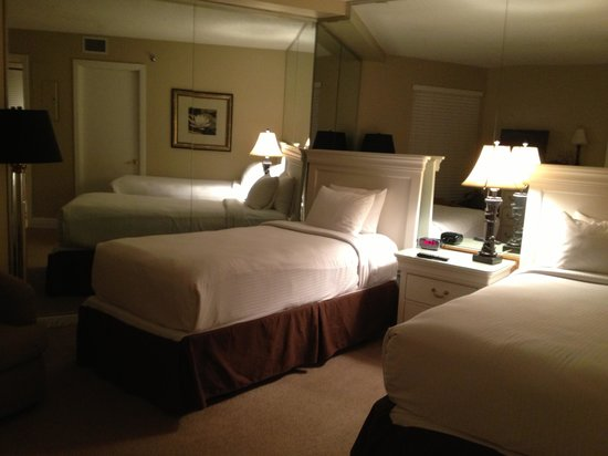 Beachside Towers at Sandestin:                   Second bedroom