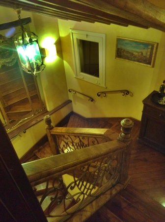 Boutique Hotel Campo de Fiori:                   Staircase up to 6th floor
