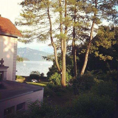 Pension Villa Maria:                                     Petite vue sur le lac