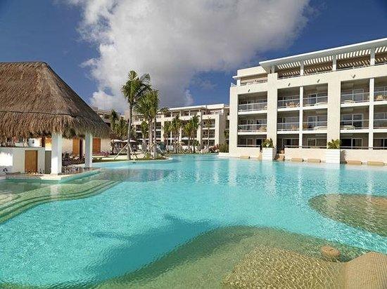 Paradisus Playa Del Carmen La Esmeralda: Pool Bar