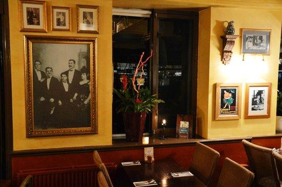 Bella Italia Durham:                   Inside decoration