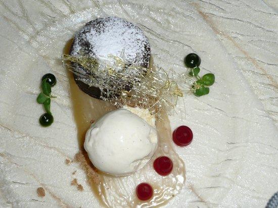 Bowood Hotel, Spa and Golf Resort:                   Chocolate fondant