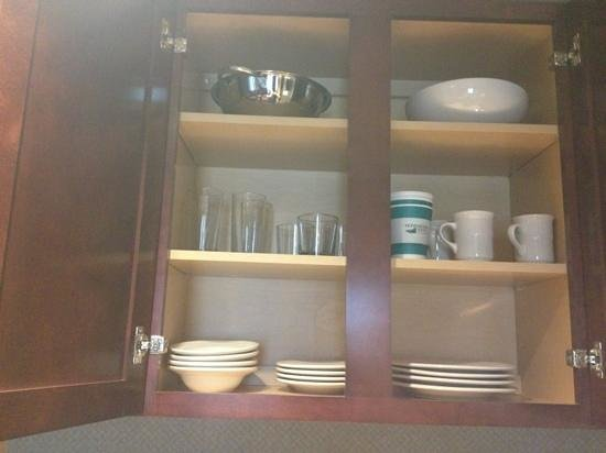 Homewood Suites by Hilton Atlantic City/Egg Harbor Township:                   dishes,silverware, even a cork screw bottle opener