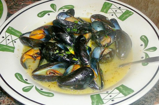 Mussels Di Napoli In A Garlic Butter Sauce Picture Of