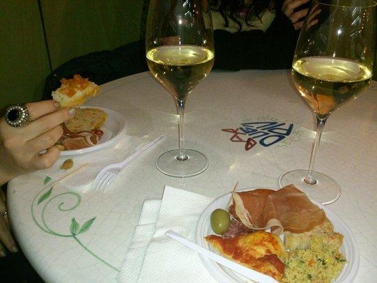 Bar  Due Piu: Un buon bianco per un aperitivo perfetto