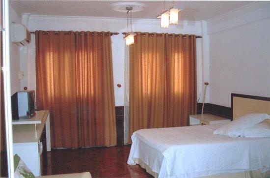 Hotel Fleuma :                                     Vista de una Habitación