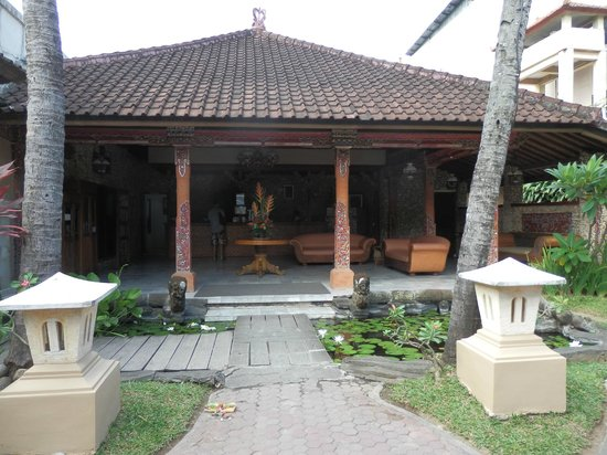 Ida Hotel:                   accueil
