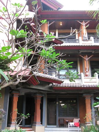 Ida Hotel:                   chambres