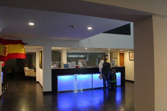 Hotel Som Fona:                   холл