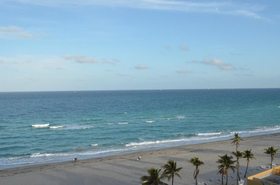 Marriott Hollywood Beach:                   View from our room 908