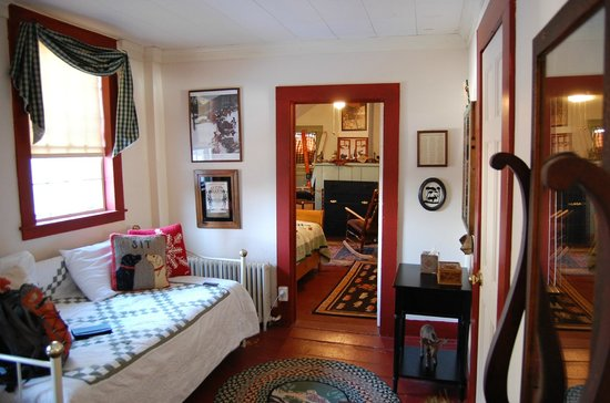 The Ira Allen House Bed and Breakfast:                   Ante-room