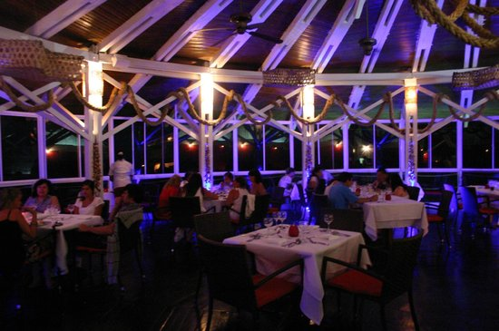 Decameron Aquarium: A la carte seafood restaurant