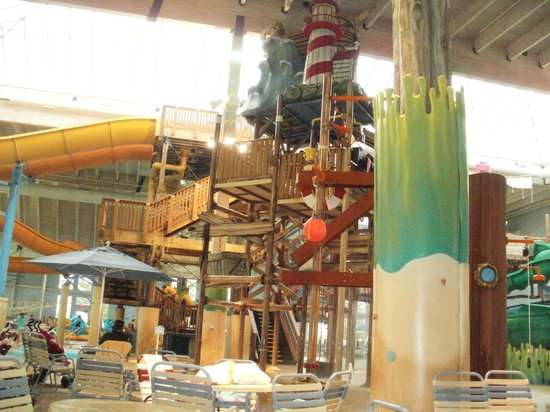 Blue Harbor Resort: Indoor water park
