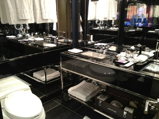 The Chatwal, A Luxury Collection Hotel, New York:                   bathroom w tv