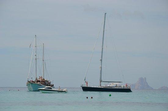 Strand Playa de ses Illetes:                   si festeggia!