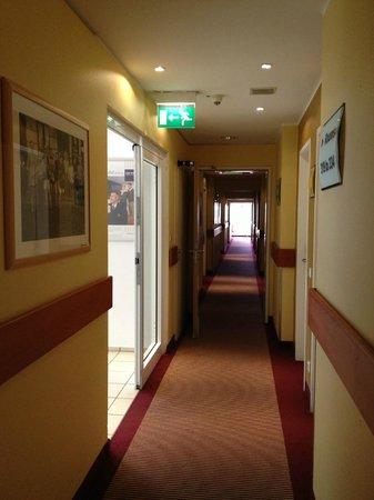 Dorint Hotel Köln-Junkersdorf: Hallway