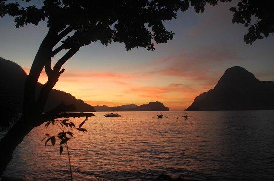 Kalinga Beach Resort : Beautiful sunsets