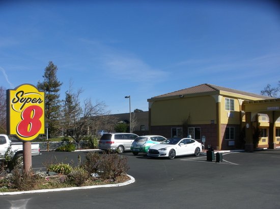 Super 8 Ukiah:                   We charged our Tesla overnight at 220V 30Ah
