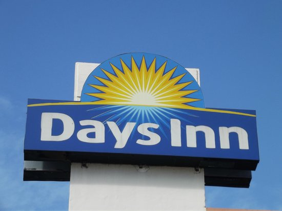 Days Inn Miami Airport North:                   insegna